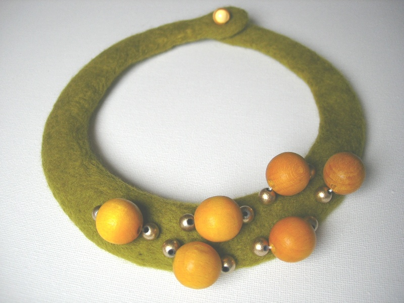 Olive and honey felt jewellery - Anna Login